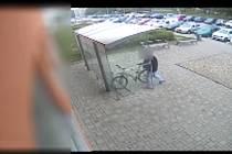 Zkušenému zloději ke zdolání bicyklových řetězů stačilo několik sekund