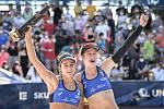 Turnaj Světového okruhu v plážovém volejbalu kategorie 4*, 6. června 2021 v Ostravě. Finálový zápas - Jolana Heidrichová, Anouk Verdeová-Depraová ze Švýcarska vs. Sarah Sponcilová (vlevo), Kelly Claesová (vpravo) z USA.