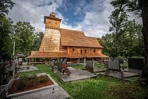 Kostel Božího Těla v Gutech září novotou.