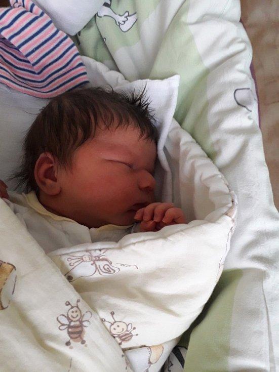 Emilia Tkaczyk z Havířova-Bludovic, narozena 16. dubna 2021 v Havířově, míra 52 cm, váha 4160 g. Foto: Michaela Blahová