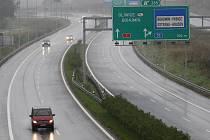 Měsíc před Vánoci dojedou první řidiči po dálnici z Ostravy až do Prahy.