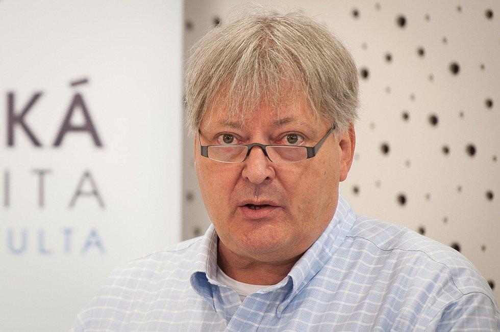 Známý ostravský soudní lékař a celorepubliková kapacita z oboru Igor Dvořáček.