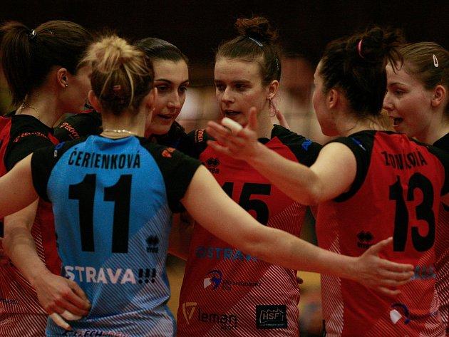 RADOST. Volejbalistky TJ Ostrava vedou v semifinále nad Olomoucí 1:0.