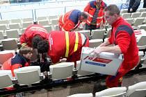 Pátý čtvrtfinálový zápas Víkovic a Sparty poznamenalo úmrtí fanouška.