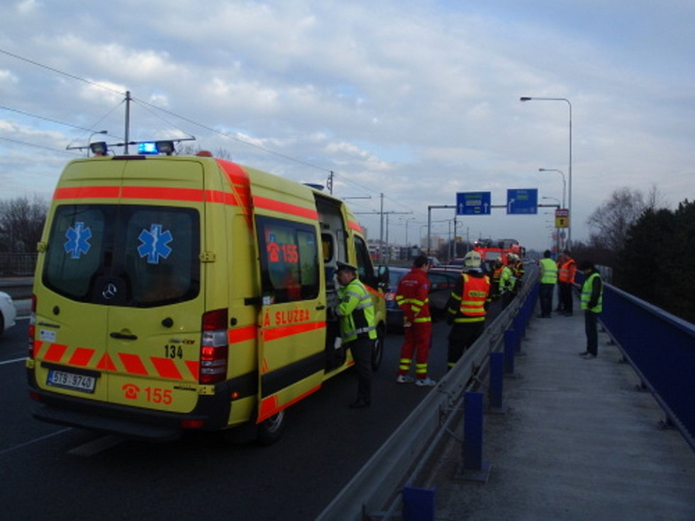 Hromadná nehoda na Plzeňské ulici v Ostravě