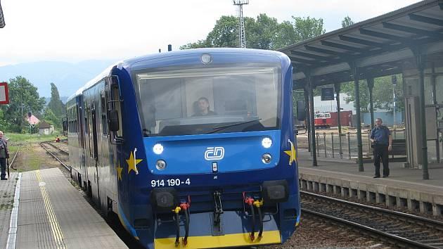 České dráhy představily 1. června další modernizovaný vlak, který bude vozit cestující na trati z Frýdku-Místku do Českého Těšína.