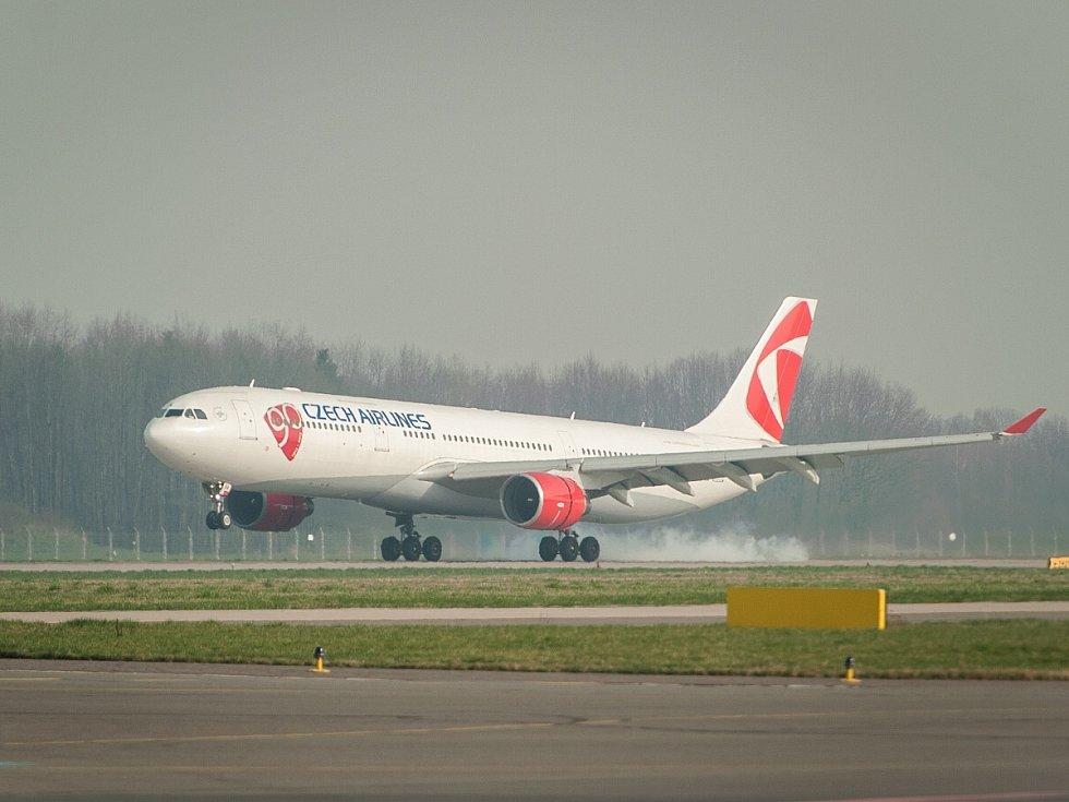 Největší civilní letadlo Airbus A330, zaregistrované pod českou značkou OK.