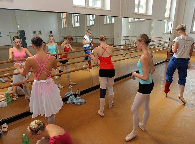 Janáčkova konzervatoř a Gymnázium v Ostravě už potřetí hostí tak výjimečnou baletní událost jako je Ballet and Dance Workshop Ostrava.