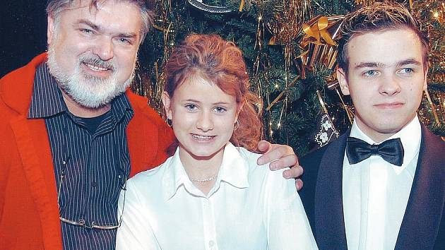 VÁNOČNÍ KONCERT. Peter Dvorský, Jana Kociánová a Miloš Skácel vystoupí v Bartovicích.