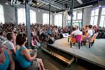 Hudební festival Colours of Ostrava 2019 v Dolní oblasti Vítkovice, 20. července 2019 v Ostravě. Přednáška s francouzskou zpěvačkou Zaz.