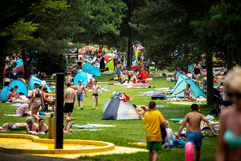 Letní koupaliště Sareza v Porubě. 19. června 2021 v Ostravě.