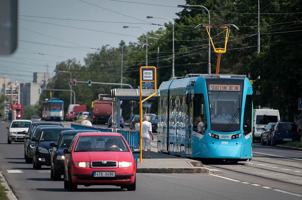 Tramvaj Stadler nOVA v Ostravě. Ilustrační foto.