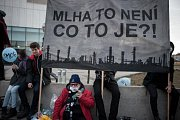 Lidé v Ostravě 23. února 2017 demonstrovali za čisté ovzduší.