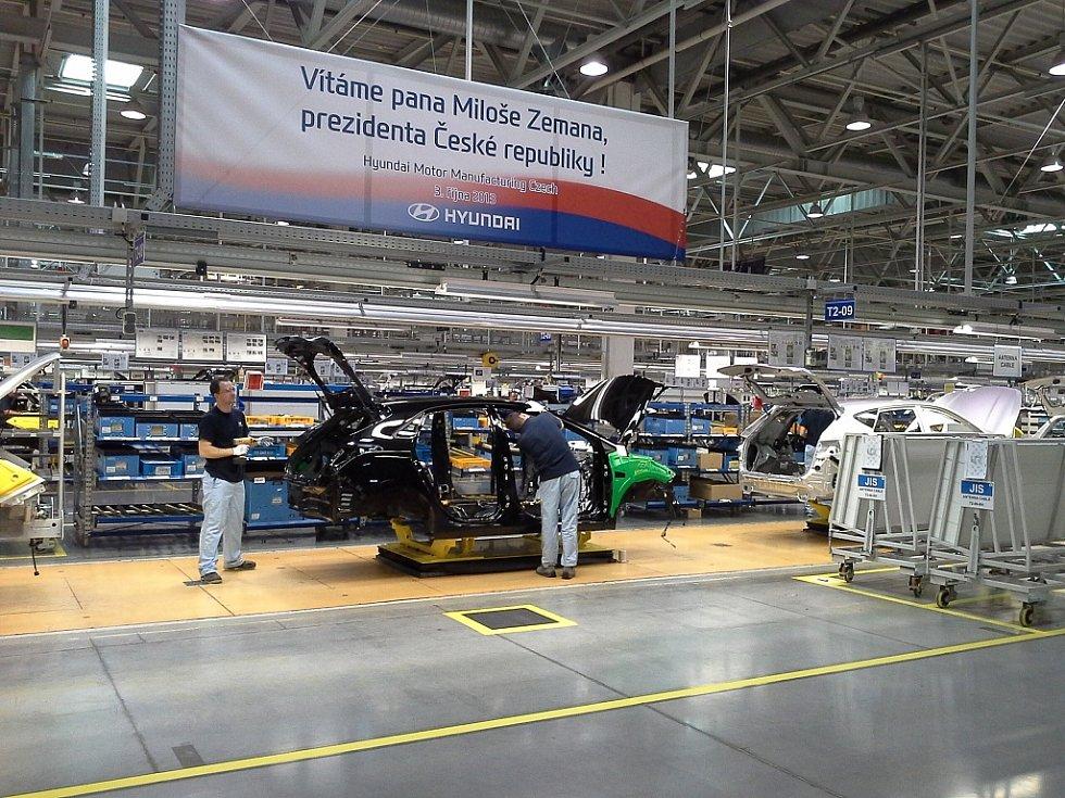 Návštěva prezidenta Miloše Zemana sídla společnosti Huyndai v Nošovicích.