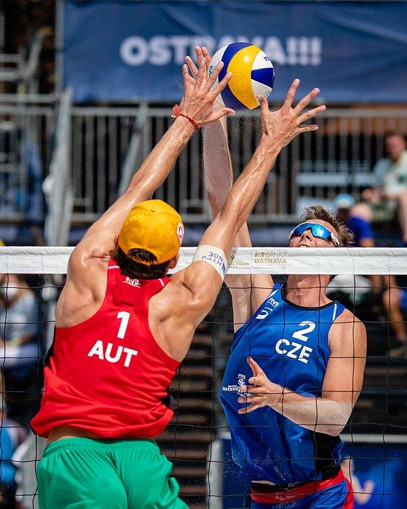 J&T Banka Ostrava Beach Open, 5. června 2021 v Ostravě. Robin Seidl (AUT) a David Schweiner (CZE).