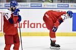 Mistrovství světa hokejistů do 20 let, čtvrtfinále: ČR - Švédsko, 2. ledna 2020 v Ostravě. Na snímku smutek Česka (Libor Zabransky a Matej Blumel).