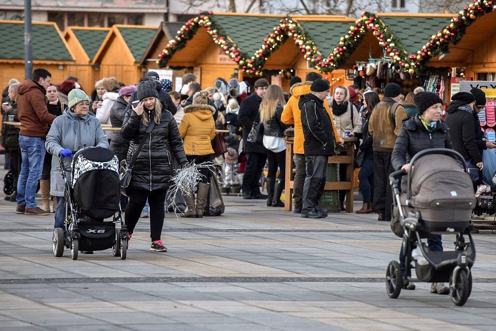Vánoční trhy na Masarykově náměstí v Ostravě.