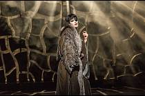 Operní diva Vanda Šípová skvěle zpívá i hraje.