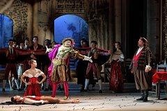 Snímky ze zkoušky komicky laděného baletu Don Quijote.