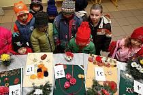 Potěšit oko ale i zakoupit nějakou originální vánoční ozdobu mohou lidé, kteří v sobotu od 9 do 15 hodin navštíví Střední zahradnickou školu v Žákovské ulici v Ostravě-Hulvákách.
