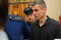 Muharrem Fejzullahu odešel od soudu se čtrnáctiletým trestem.