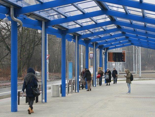 Z nově vybudovaného terminálu bude do centra i dalších městských částí zajištěno vedle stávající tramvajové dopravy také trolejbusové spojení.