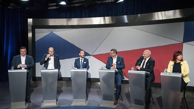 Debata kandidátů na primátora města Ostravy v České televizi, 13. září 2018 v Ostravě. Na snímku (zleva) Martin Juroška (KSČM), Václav Kubín (SPD), Tomáš Macura (ANO), Zdeňek Nytra (ODS), Zbyněk Pražák (KDU-ČSL) a Libuše Přikrylová (LEČO).
