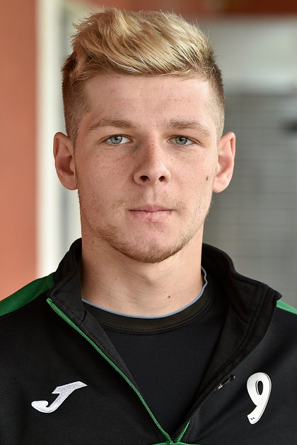 Jakub Velička, záložník.