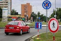 Dopravní omezení v Porubě u Duhy. Ilustrační foto.
