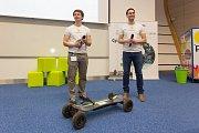 Vítězové ceny poroty akceleračního programu na podporu podnikání Green Light v roce 2014.
