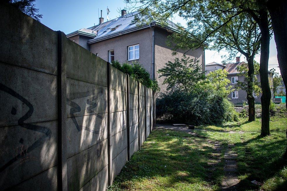 Ostravská městská část Muglinov, Muglinovská ulice a její okolí, zaří 2019 .