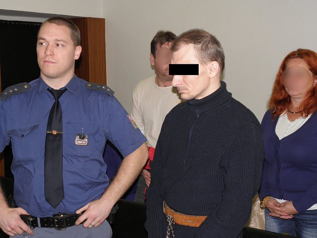 Muži za vraždu družky hrozí až osmnáct let vězení.