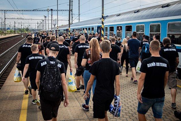 Utkaní 4.kola fotbalové FORTUNA:LIGY mezi SFC Opava a FC Baník Ostrava. Odjezd baníkovských fanoušků ze svinovského nádraží, 2.srpna 2019vOstravě.