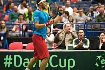 Jiří Veselý se v druhé páteční dvouhře Davis Cupu v Ostravě střetl s Bernardem Tomicem.