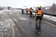 Dopravní nehoda, středa 1. února, Oborná.