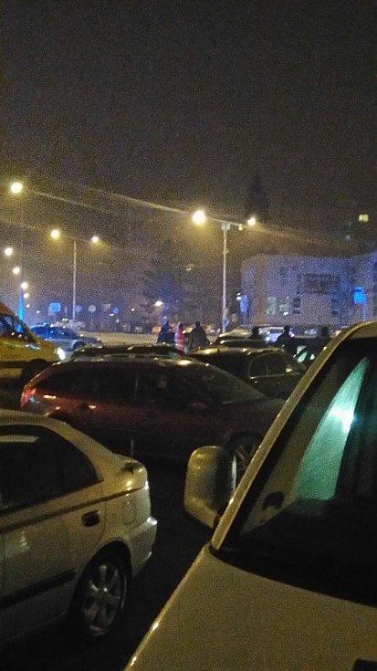 Snímek z místa hromadné potyčky v Orlové.