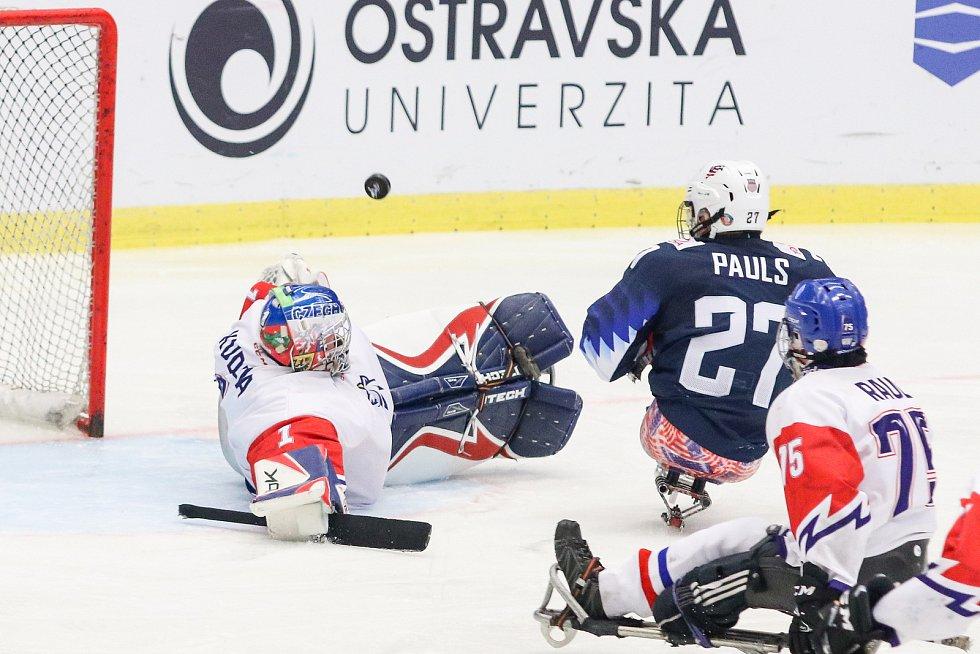 Mistrovství světa v para hokeji 2019, 3. května 2019 v Ostravě. Na snímku (zleva) Kudela Martin (CZE), Pauls Josh (USA), Raul Jiri (CZE).