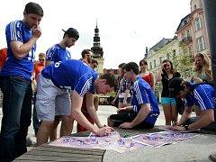 Spanilá jízda Ostravou volejbalových mistrů začala na Masarykově náměstí.