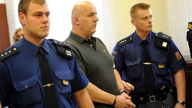 Rozsudek nad členy mezinárodního drogového gangu vyhlásil ve čtvrtek Krajský soud v Ostravě za mimořádných bezpečnostních opatření.