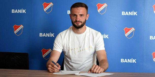 Tomáš Zajíc podepsal vBaníku Ostrava tříletý kontrakt snáslednou opcí. Foto: www.fcb.cz