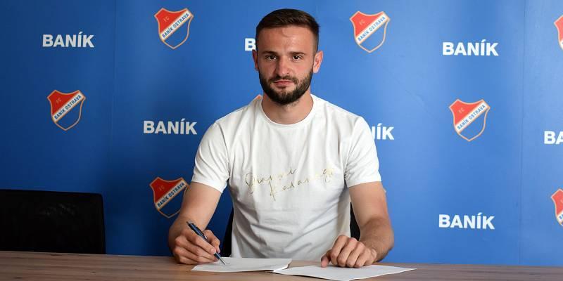 Tomáš Zajíc podepsal v Baníku Ostrava tříletý kontrakt s následnou opcí. Foto: www.fcb.cz