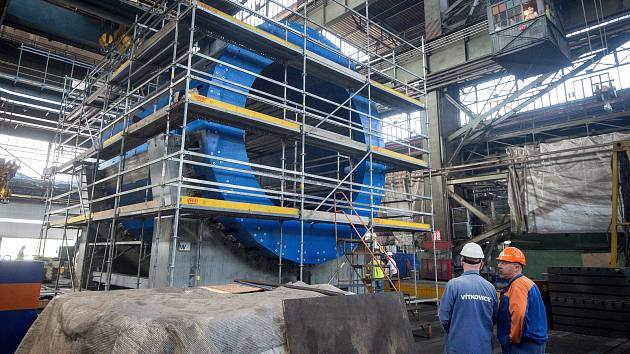 Vítkovice Heavy Machinery (VHM) dokončily a předaly dodávku obřích částí magnetu urychlovače částic pro Spojený ústav jaderných výzkumů.