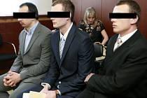 Všichni obžalovaní byli uznáni vinnými z brutálního napadení. Soud jim vyměřil po šesti letech žaláře.