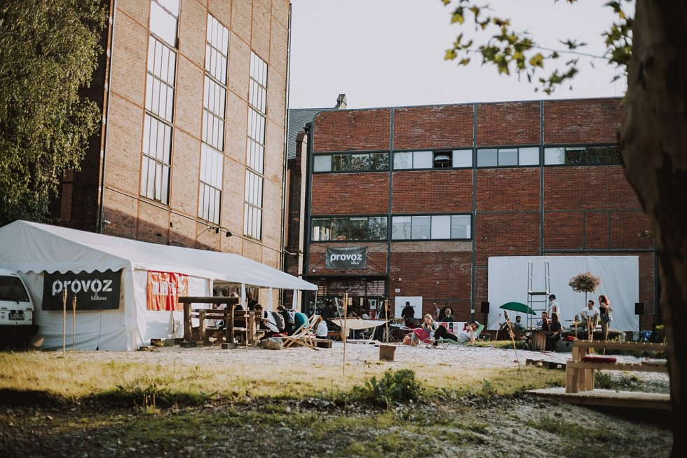 Bývalý Důl Hlubina se proměnil v kulturní čtvrť Ostravy.