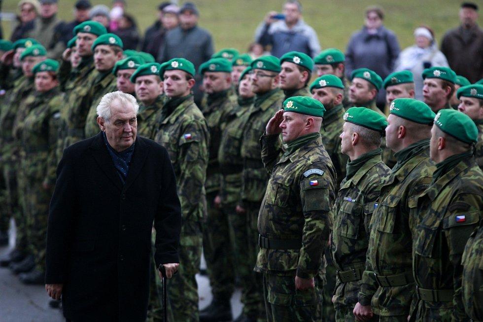 Prezident Miloš Zeman při návštěvě Národního památníku II. světové války v Hrabyni ve čtvrtek 3. listopadu 2016.