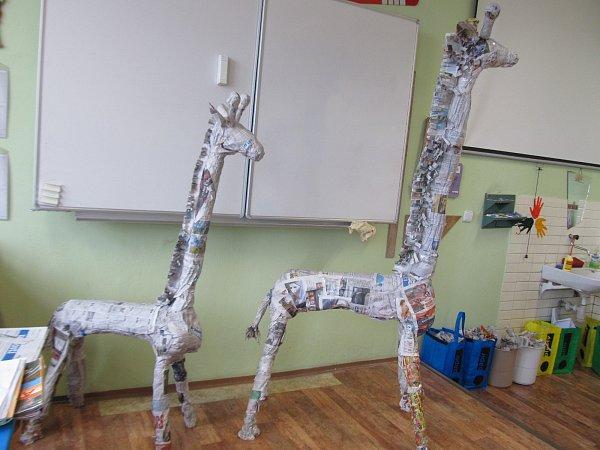Žákům 4.a 5.ročníku ZŠ T. G. Masaryka Jistebník se podařily krásné žirafy Amy a Sofie.