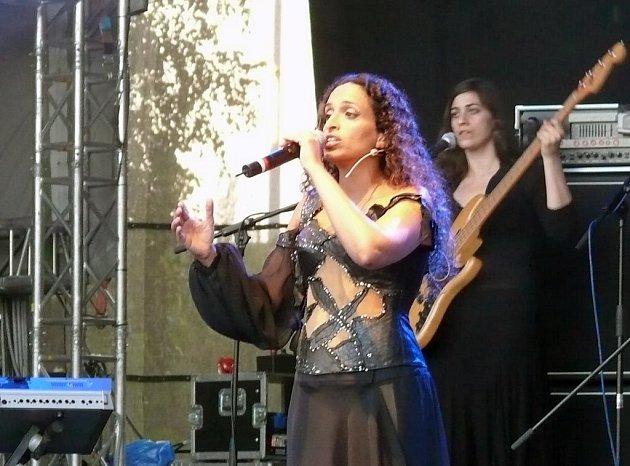 Izraelská zpěvačka Noa na festivalu Colours of Ostrava