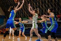 Utkání 16. kola Ženské basketbalové ligy: SBŠ Ostrava - USK Praha, 10. února 2021 v Ostravě.