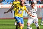 Utkání 27. kola první fotbalové ligy: FC Baník Ostrava - FK Teplice, 7. dubna 2019 v Ostravě. Na snímku (zleva) Daniel Trubač, Daniel Holzer.