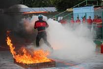 Soutěž hasičů v požárním sportu.